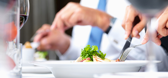 business-lunch-close-up_pan_17147